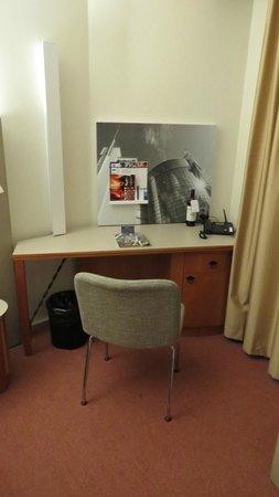 Radisson Blu Royal Hotel, Helsinki: work area