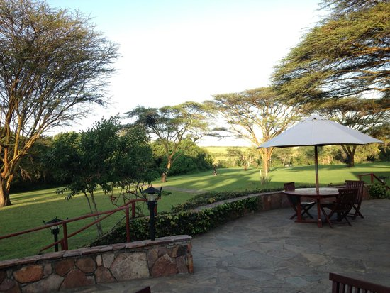 Keekorok Lodge-Sun Africa Hotels: Another view of the grounds
