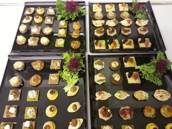 No. 16: canapés for private champagne and canapé evening