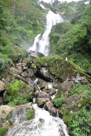 Thac Bac Waterfall (Silver Falls) : vue sur la partie supérieure de la cascade