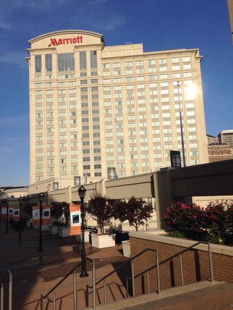 Hartford Marriott Downtown: Morning view - August 2014