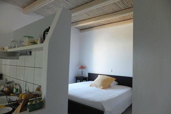 BanSala: Kitchenette/bedroom