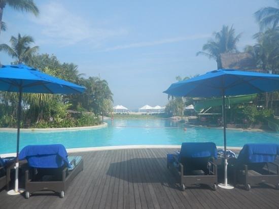 Shangri-La's Rasa Ria Resort & Spa: the beautiful pool
