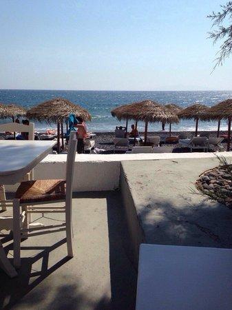 Kamari Beach: Beach