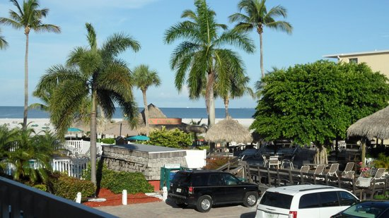 Outrigger Beach Resort: vue de la chambre