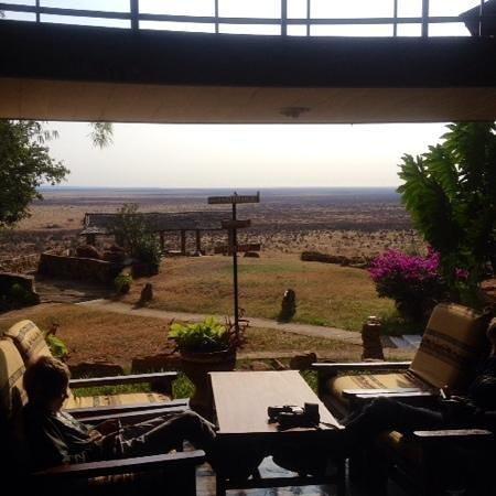 Voi Safari Lodge : la vista dalla zona relax