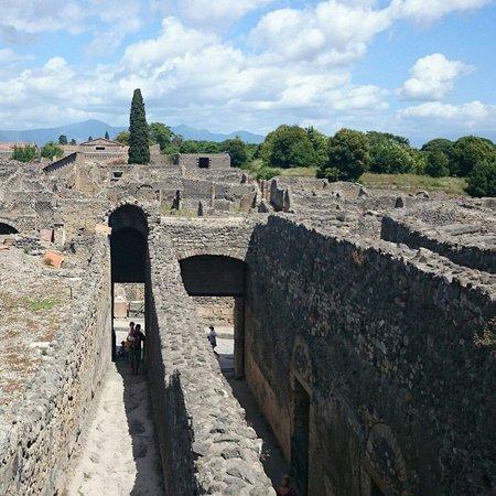 Scavi di Pompei: Лабиринты домов и улиц