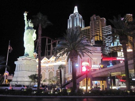 New York - New York Hotel and Casino : 外観