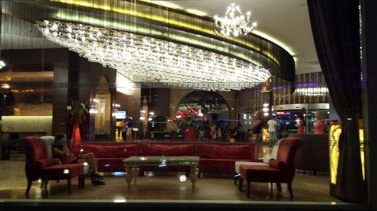 Ideal Prime Beach: The lobby