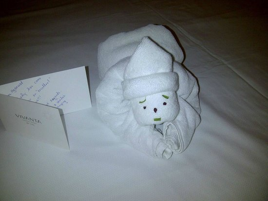 Vivanta by Taj - President, Mumbai: Surprise waiting in the room post a long day at work..