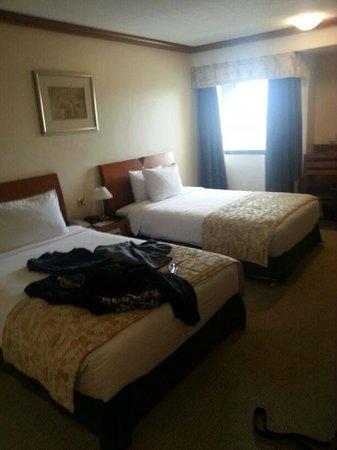 Ramada Hotel Bahrain: Bedroom