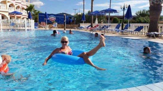 Arkadia Hotel : бассейн