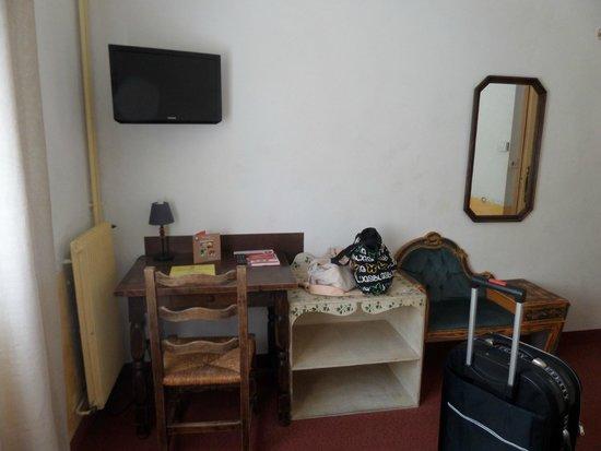 HOTEL DU PARC : Scrivania nella camera