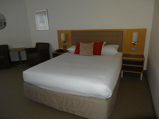 Novotel Sydney on Darling Harbour: ベッド