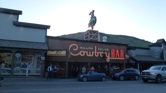 Ranch Inn: Million Dollar Cowboy Bar