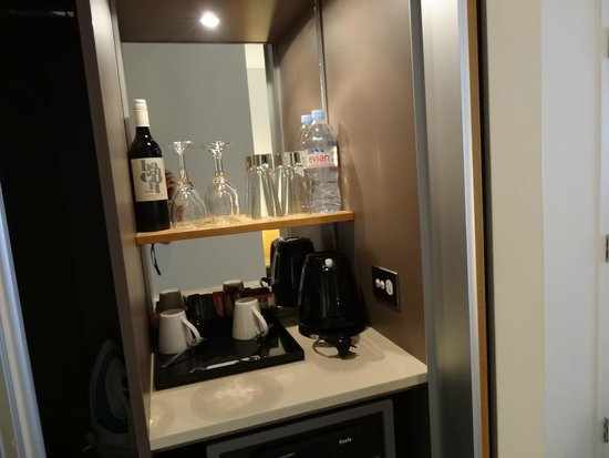 Novotel Sydney on Darling Harbour: ミニバー