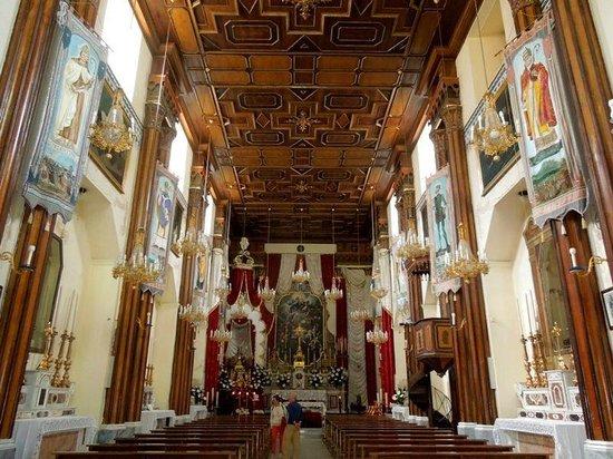 Chiesa di Santa Restituta : Красивый потолок