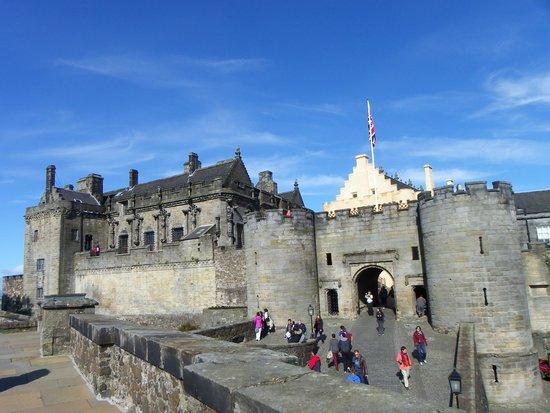 Stirling Castle: Vue extérieure en finissant le tour