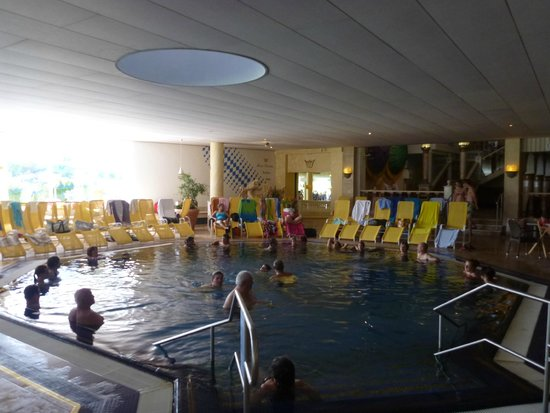 Konigliche Kristall-Therme: One of the indoor pools