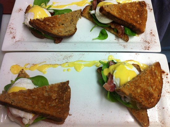 Green Chair: Eggs Benedict with Brown Toast, topped with Parma Ham or Bacon