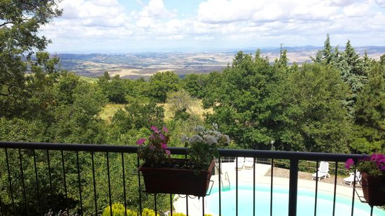 Casa Vacanze Campotondo: Vista dall'appartamento fiordaliso