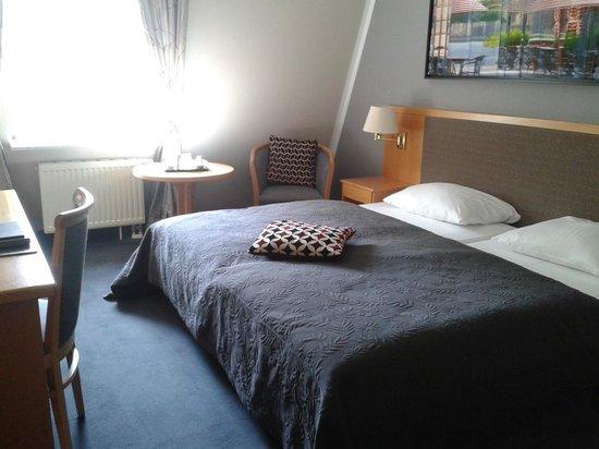 Hotel Prinz : Schlafzimmer