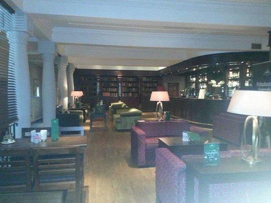Everglades Hotel: bar