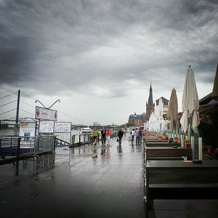 Rheinuferpromenade: The Promenade on a rainy day