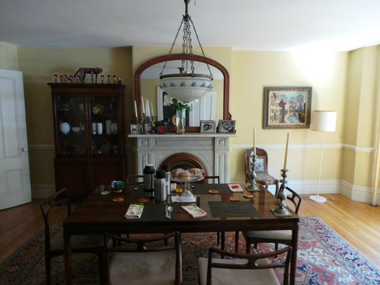 The 1863 House Bed and Breakfast: Breakfast room