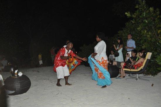 Raffles Seychelles: Evening Cocktail dinner with Sega Dance
