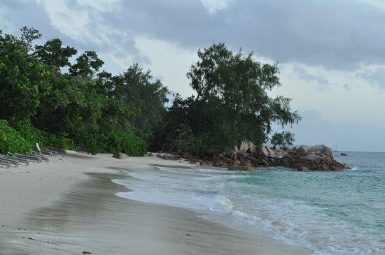 Raffles Seychelles: Hotel's Beach