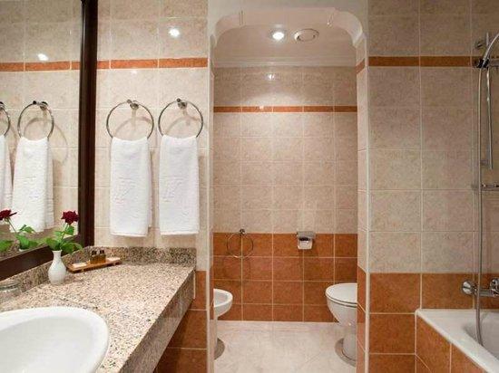 Kenzi Europa : salle de bains