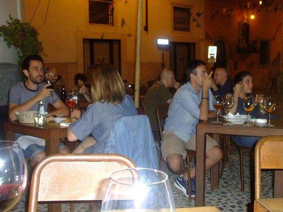 Osteria A La Carega : Outside seating in Corte Cadrega