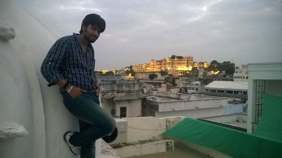 Kotra Haveli: Me with view of City place :)
