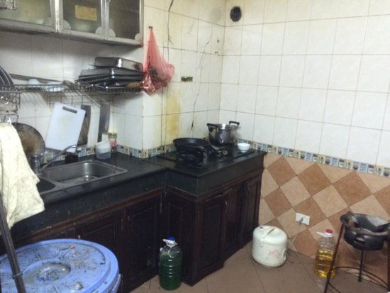 Hanoi Four Seasons Hotel : Here is the kitchen where they are preparing the cook for the restaurant