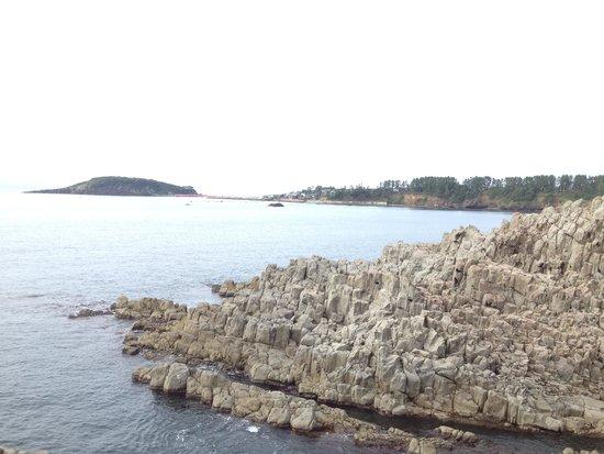 Tojinbo Cliff : 雨天の晴れ間。