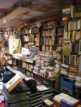 Libreria Acqua Alta: Interno della libreria