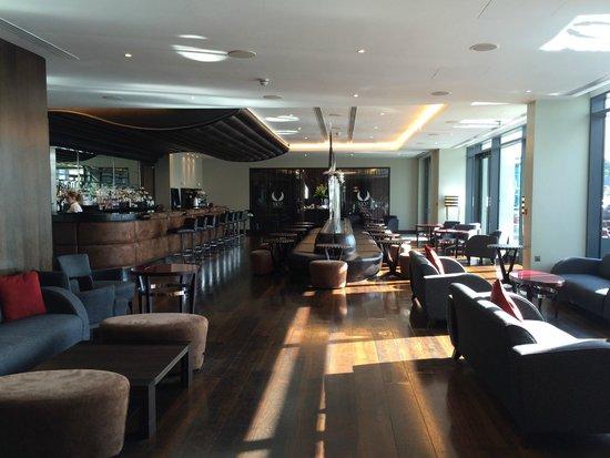 Brooklands Hotel: Bar