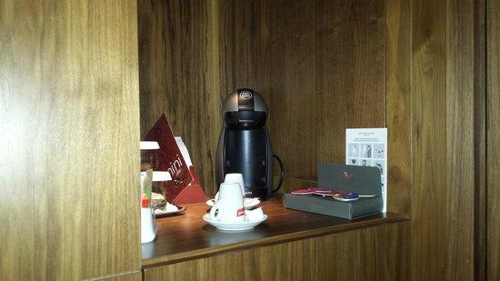 Aquila Atlantis Hotel : קפה