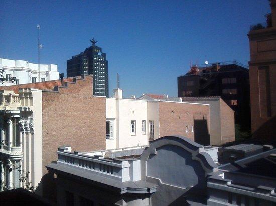 Hotel Serrano: Vista desde balcón