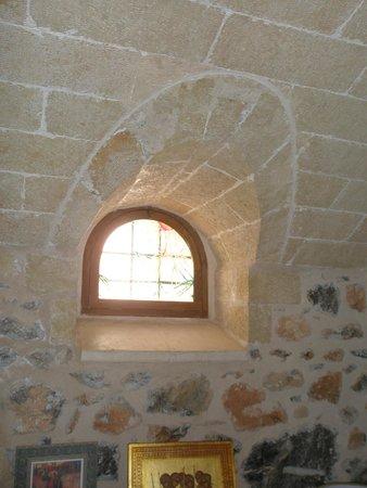 Theophano art hotel : μεσαιωνική αρχιτεκτονική