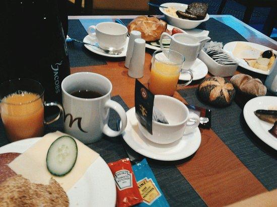 Mercure Hotel Köln West: Breakfast