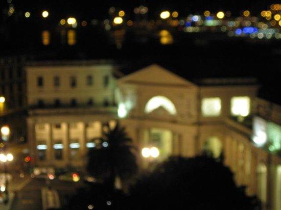 Hotel Bellevue : bella vista notturna