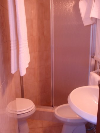 Premeno, Italia: our bathroom