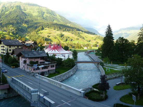 Silvretta Parkhotel Klosters: View of circus from our balcony & mountains