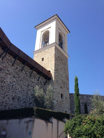 Polpenazze del Garda, Italia: Torre