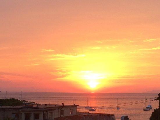 Hotel Casa Rosa : Tramonto dal terrazzo panoramico