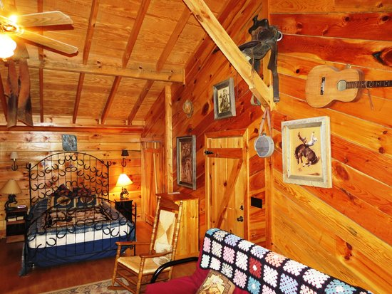 Twin Valley Bed and Breakfast and Horse Ranch : Cowboy Hideout