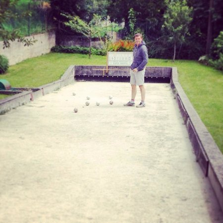 Hotel Astra: Boules/bocce