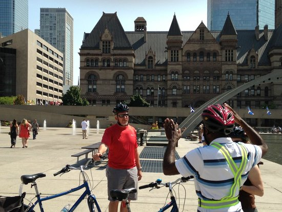 Toronto Bicycle Tours : August 9, 2014 - Beautiful Day in Toronto